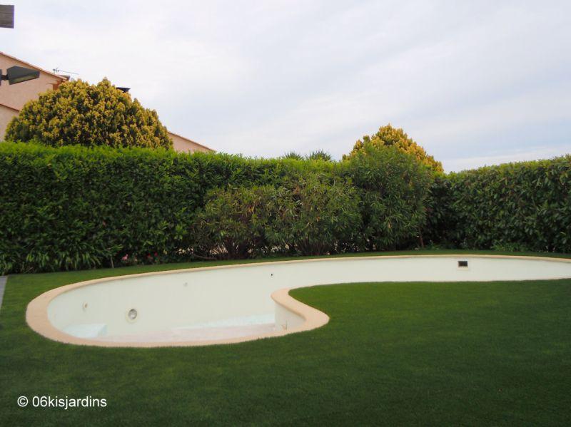 d co gazon synthetique piscine 47 caen armoire porte coulissante armoire salle de bain. Black Bedroom Furniture Sets. Home Design Ideas