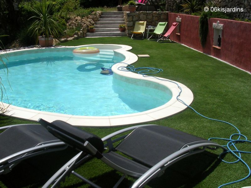 Gazon synthetique piscine - Contour de piscine ...